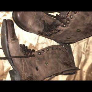 6.5 Steve Madden brown boot
